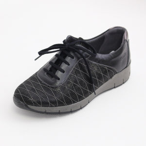 350 Suave Black Casual Lace up Ladies Shoe size 4