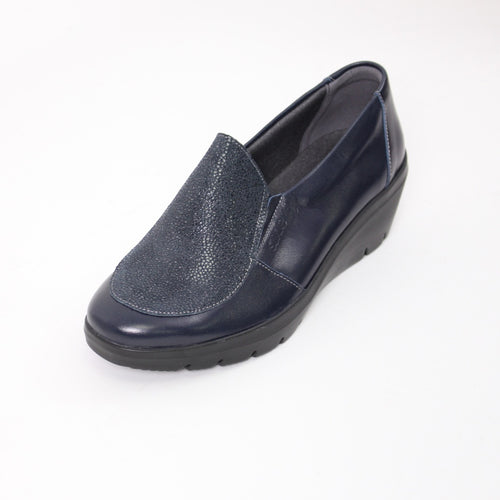 372 Suave Navy Ladies slip-on Casual Shoe size 4