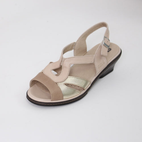 391 Suave Ladies Beige/Gold Sandal size 4