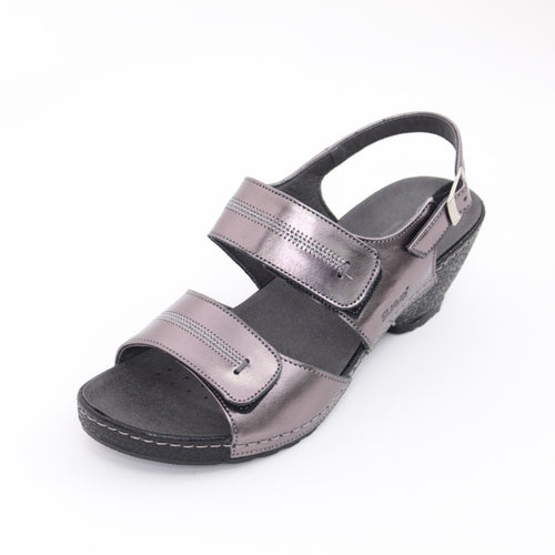 318 Suave Pewter Sandal size 4