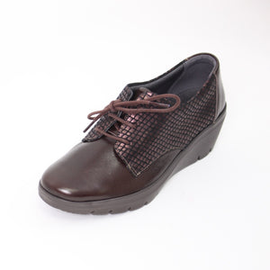 428 Suave Brown/Scales Ladies Lace Up Casual Shoe Size 4