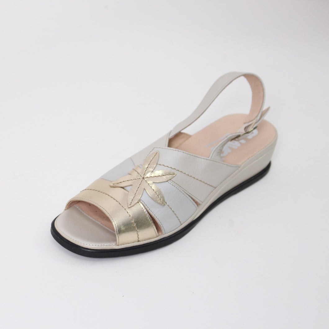 405 Suave Stone/Gold Ladies Sandal size 4