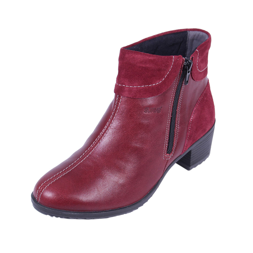 273 Suave Alicia Cherry/Suede Ankle Boot size 4