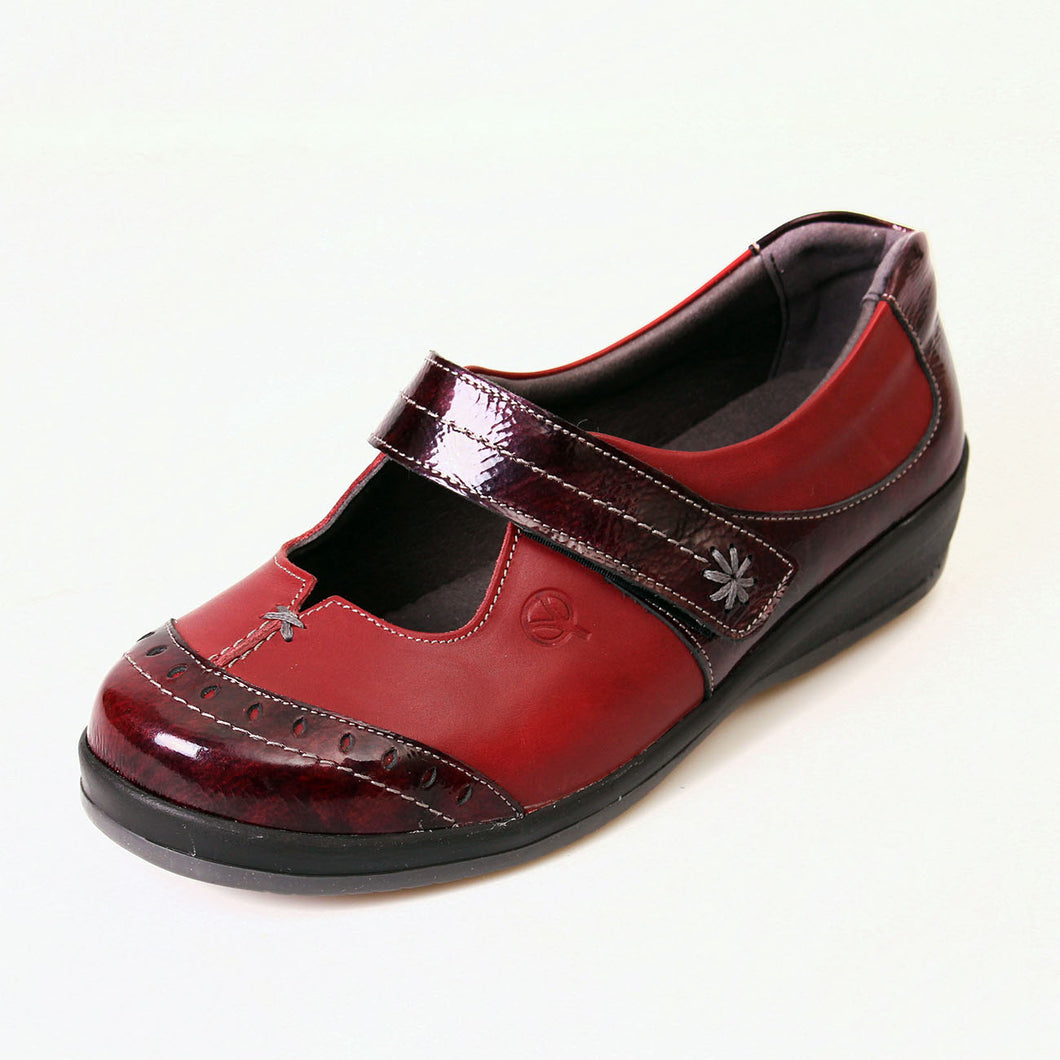 223 Sandpiper Filton Red/Burgundy Extra Wide Shoe size 4