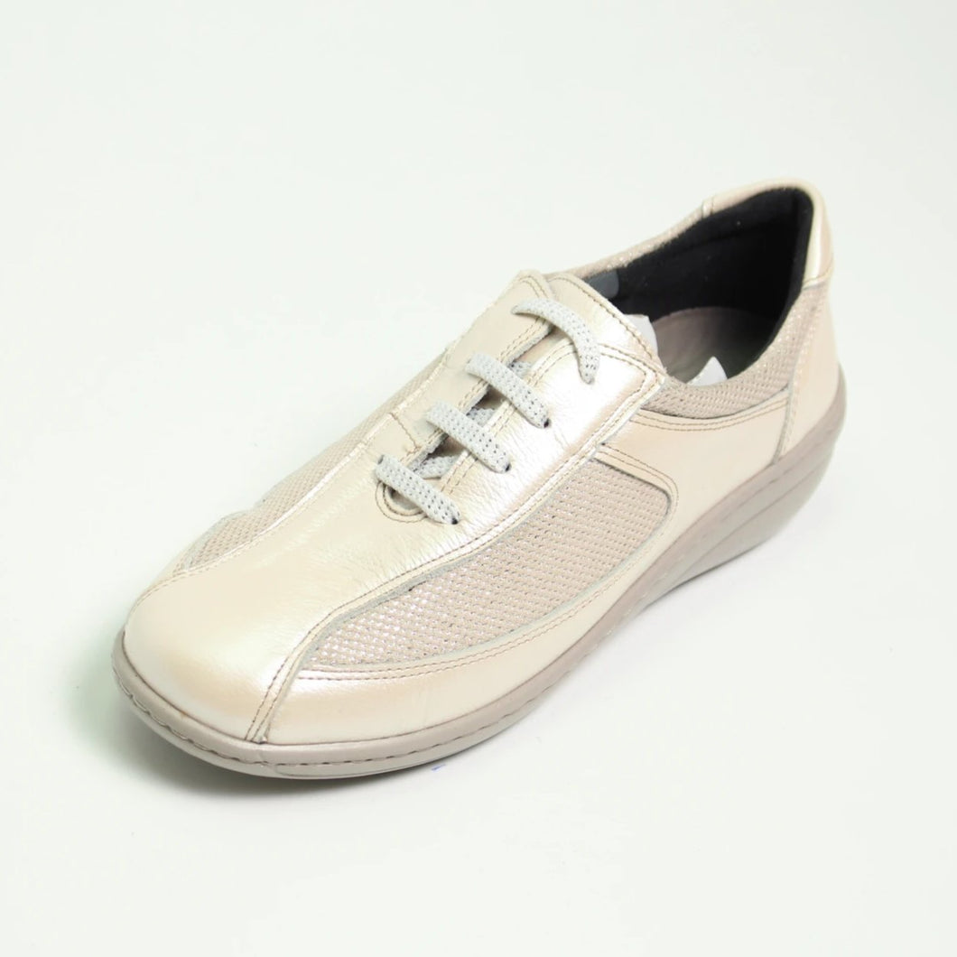 063 Footsoft Beige Lace Casual Shoe size 4