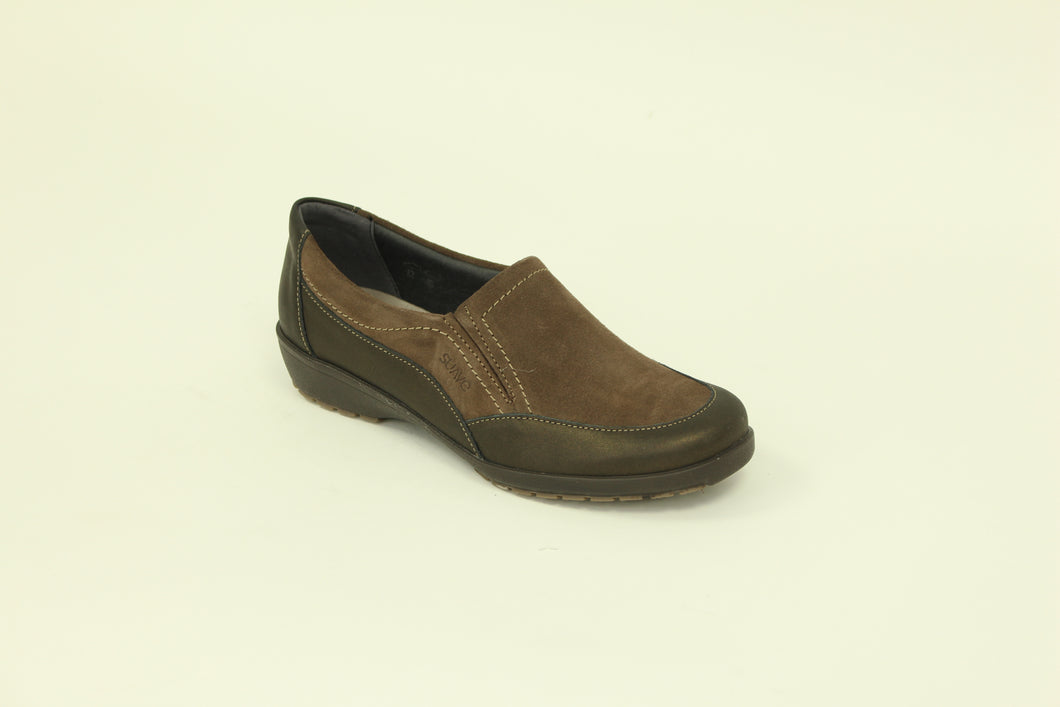 277 Suave Jan Brown Patent/Suede Casual Shoe size 4