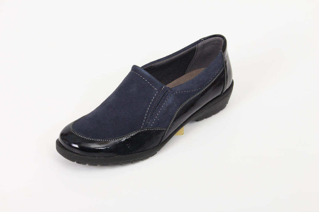 262 Suave Jan Navy/Suede Casual Shoe Size 4
