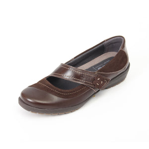 041 Suave Joy Brown/Suede Casual Shoe size 4