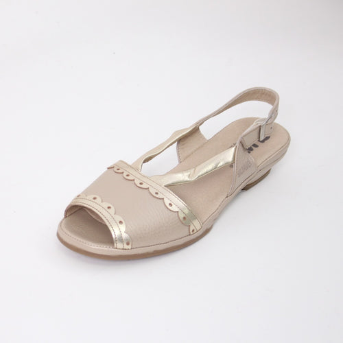 392 Suave Beige/Gold Ladies Sandal size 4