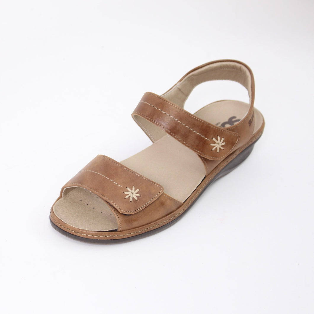 394 Suave Heidi Tan Ladies Sandal size 4