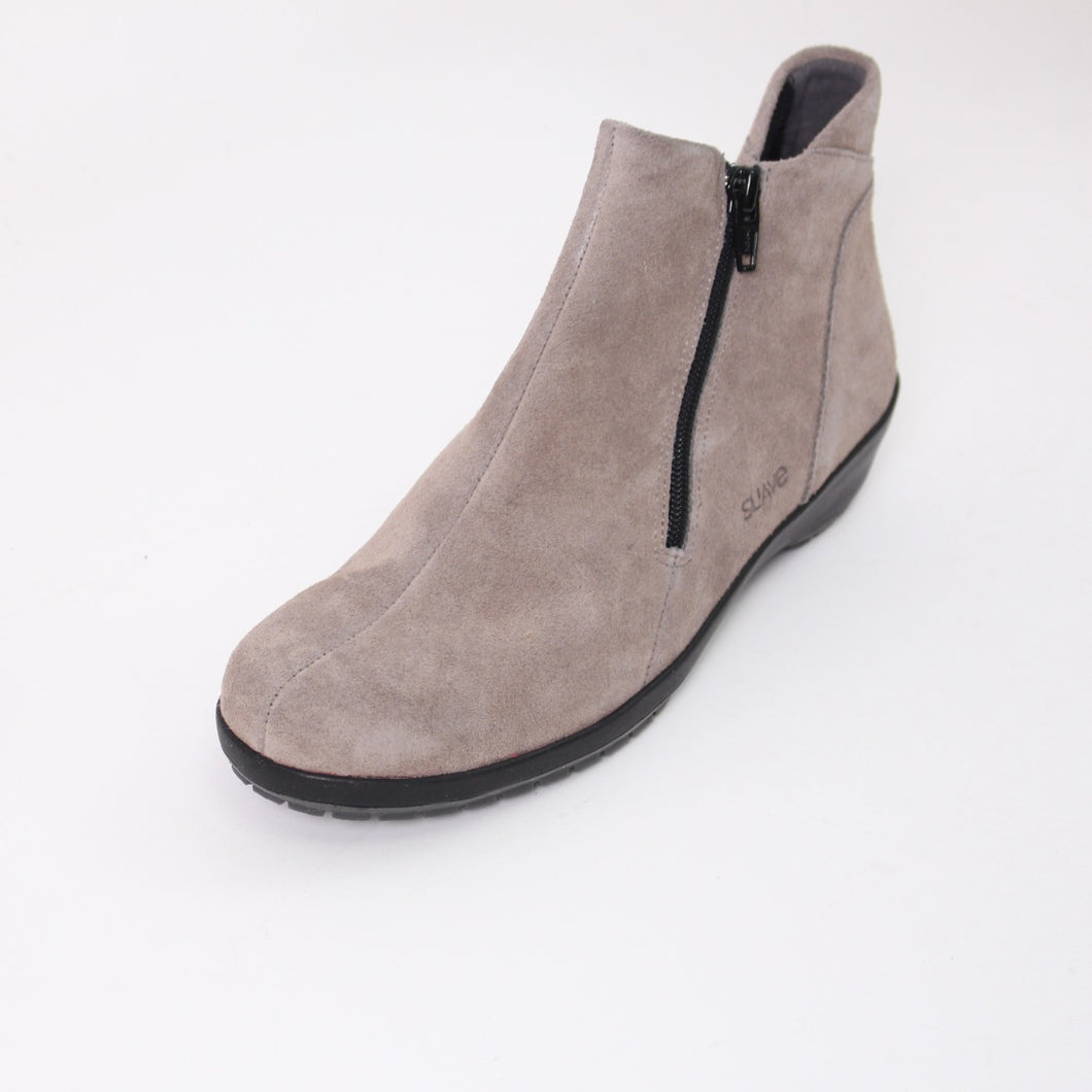 379 Suave Quinn Grey Suede Ladies Ankle Boot size 4