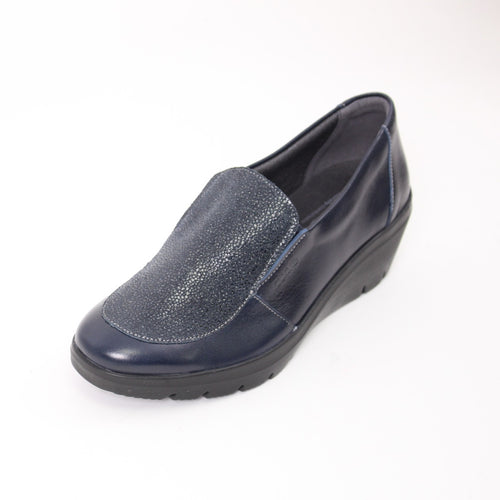 430 Suave Navy/Print Ladies Casual Shoes Size 4