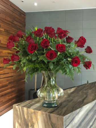 Giant Three Dozen Of Red Roses