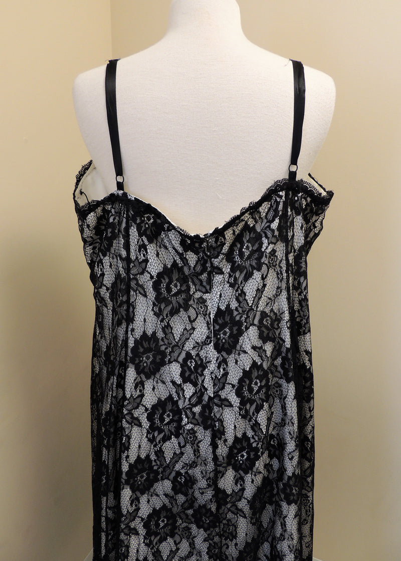 Black Lace Evening Gown (22W)