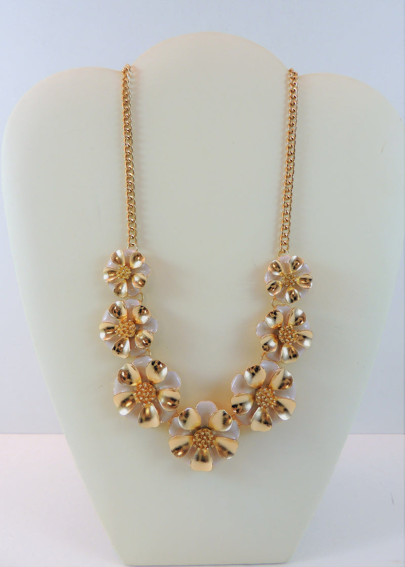 Gold/Pink Floral Necklace (18 in) (NWT)