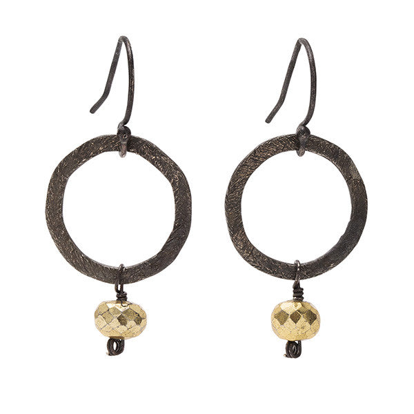 Small Circle Link Earring in Oxidized and Pyrite