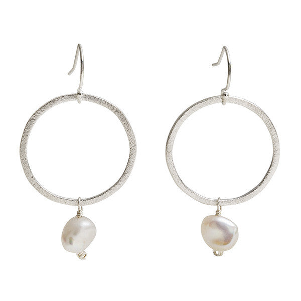 Circle Link Earring - Pearl