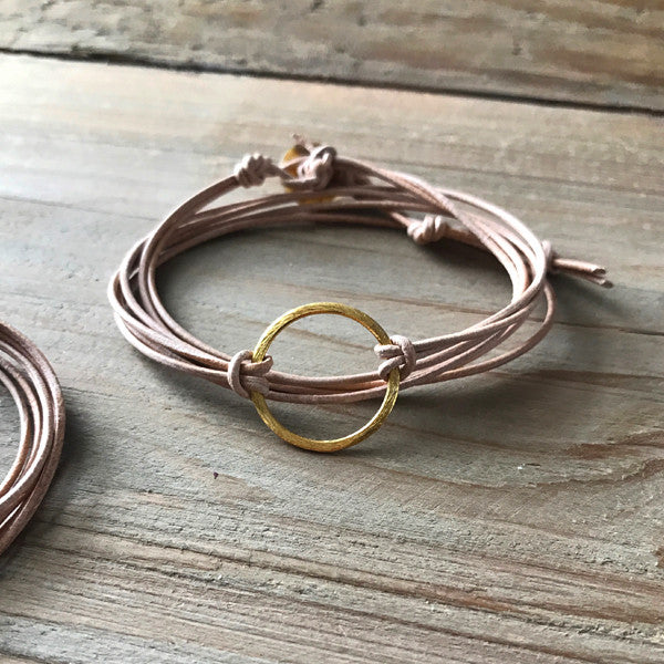 Metal Link Bracelet in Gold Circle and Light Leather