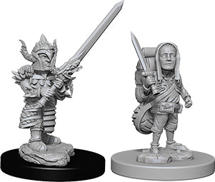 Dungeons & Dragons Nolzur`s Marvelous Unpainted Miniatures: W6 Male Halfling Fighter