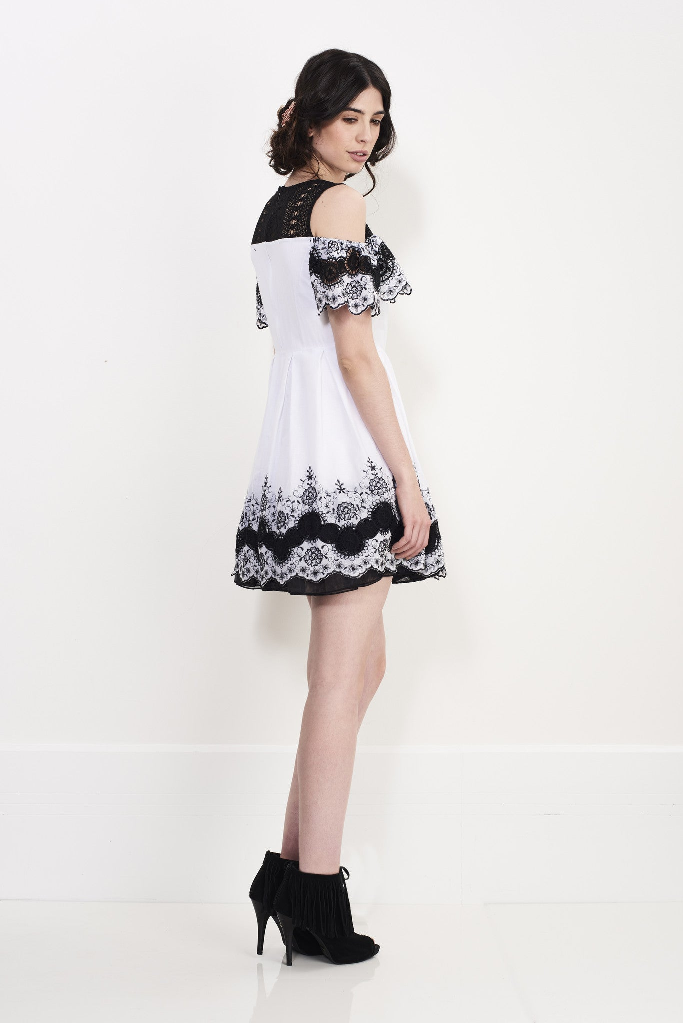 WHEEL EMBROIDERY DRESS - Darccy & Soma London