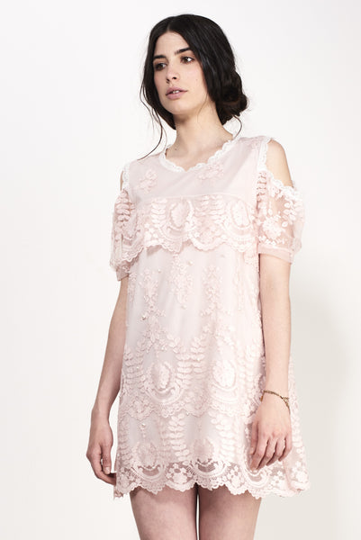 HORIZONTAL SHIFT LACE DRESS
