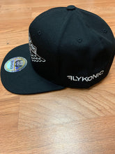 Load image into Gallery viewer, Flykonic Dreams Snapback Black Hat