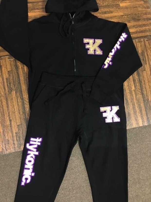 Flykonic FK Outfit - Purple/Gold on Black