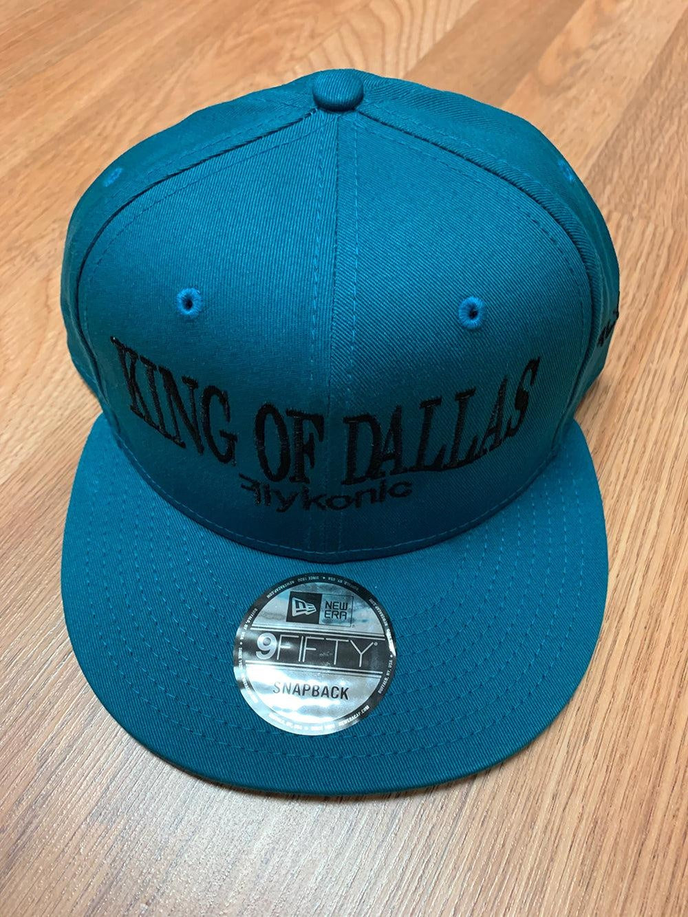 Flykonic King Of Dallas Snapback in Blue and Black