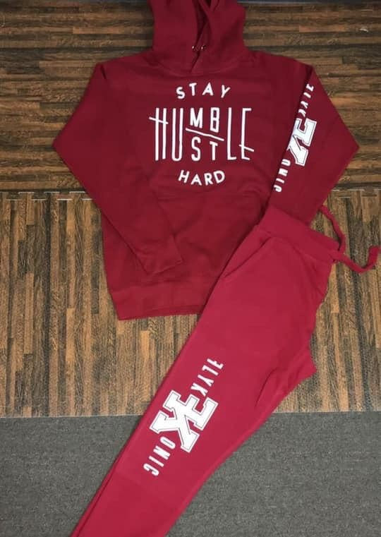 Flykonic Stay Humble Hustle Hard Outfit on Red