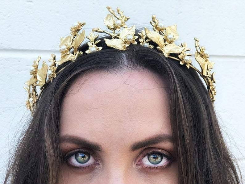 The Victoria Headpiece