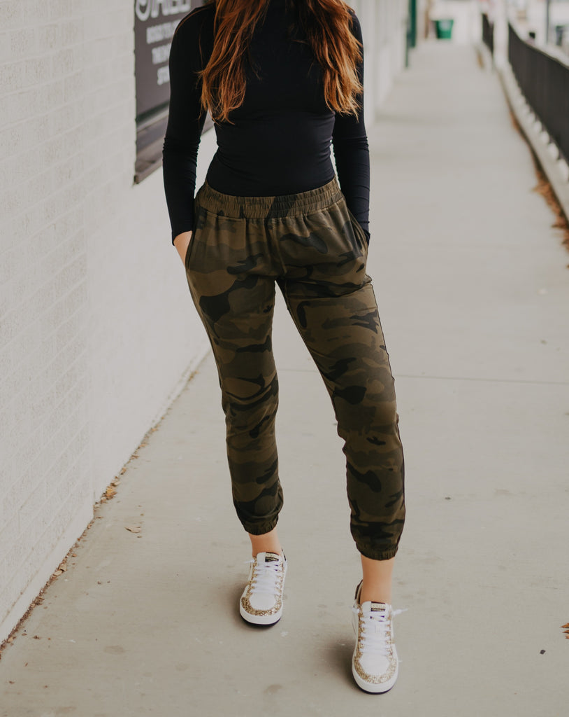 Camo Jogger in Army Green