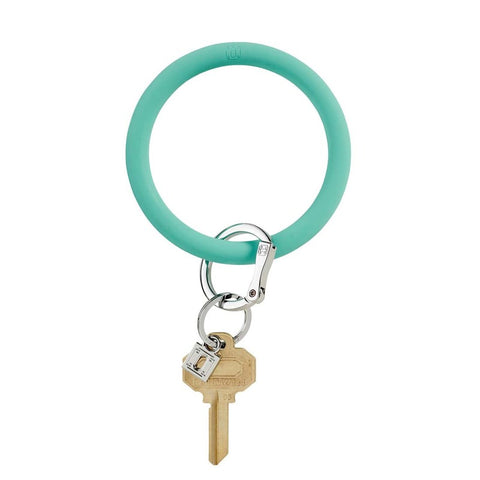Oventure: Big O Silicone Key Ring In The Pool