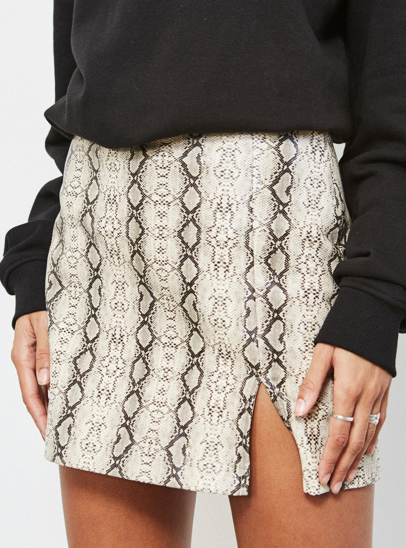 Eva Mini Skirt Snake Pu