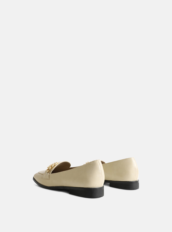 Whitney Chain Front Loafer Cream