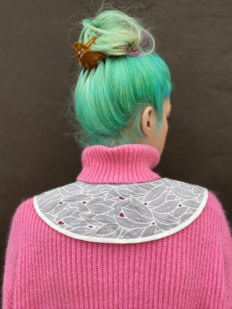 Icy Leaves Dagger Collar