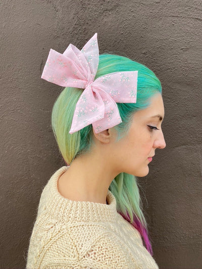 pastel baby pink sheer floral patterned retro vintage style hairbow hair bow clip in