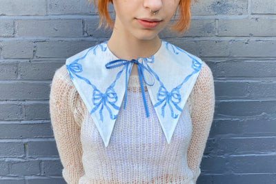 vintage retro style detachable collar tie on ribbon blue white pointed bow pattern patterned  lace ribbon bow