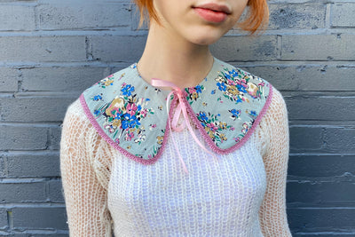 vintage retro style detachable collar tie on  blue white pink rounded flower floral  pattern patterned lace ribbon bow
