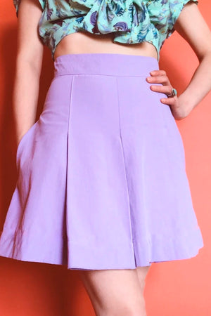 Retro vintage inspired 1940s lavender pleated play shorts skort with pockets.