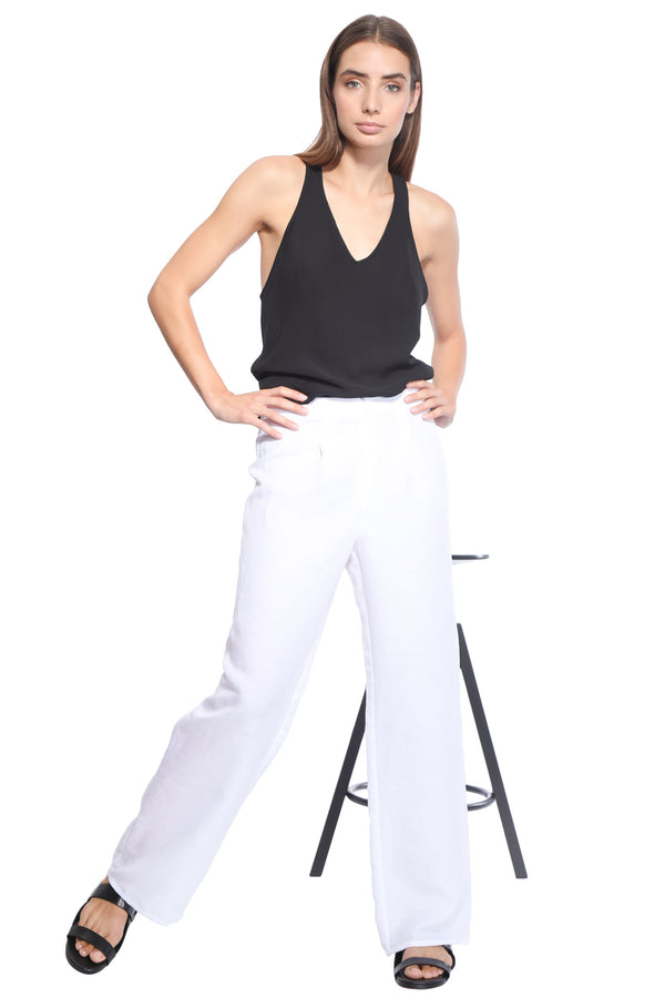 Rosa_white_trousers