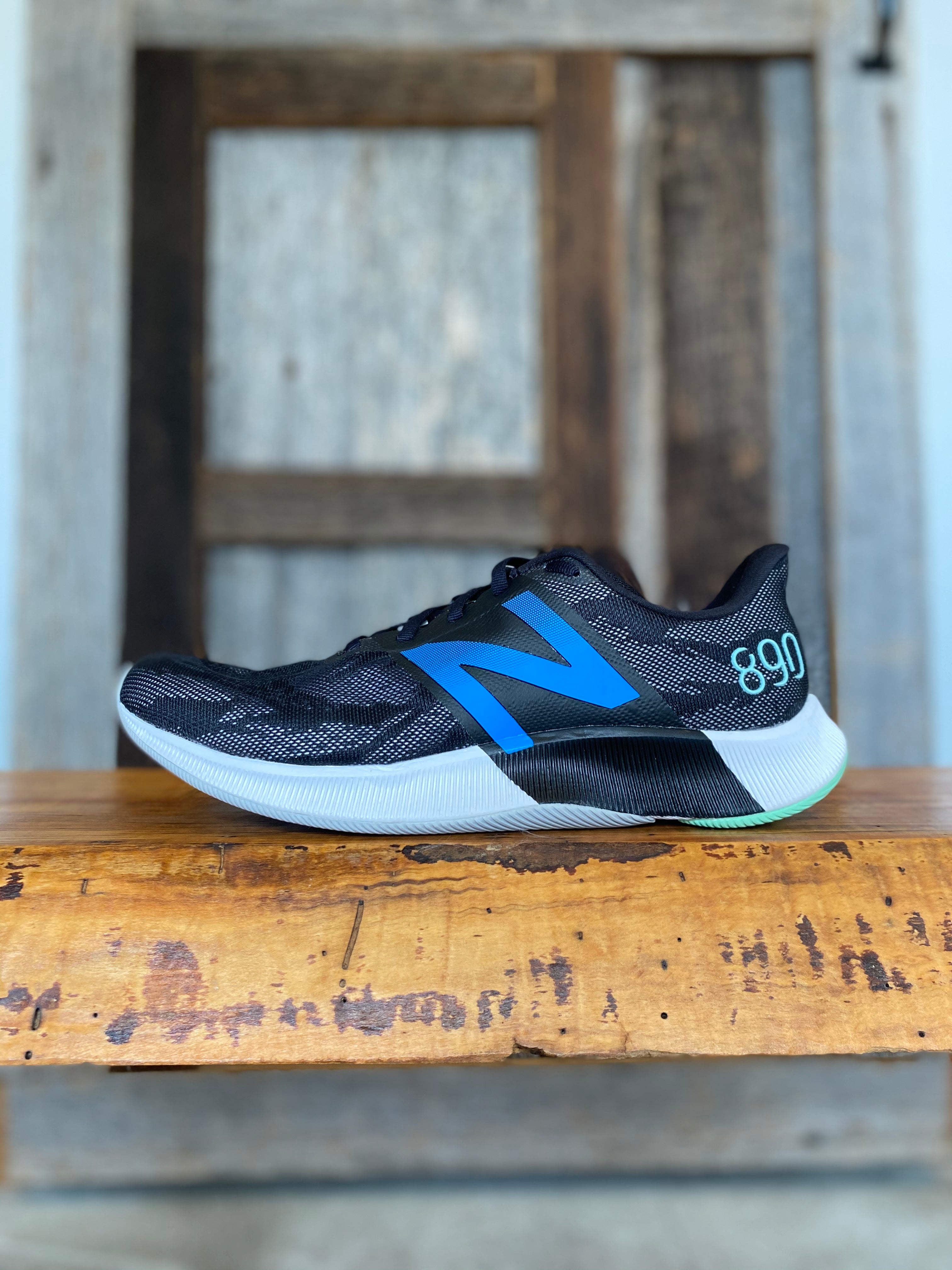 M New Balance FuelCell 890v8
