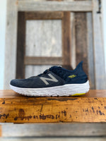 Load image into Gallery viewer, M New Balance Beacon 2
