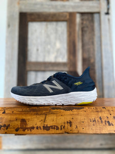 M New Balance Beacon 2