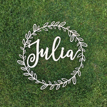 Load image into Gallery viewer, Personalized Circle Wreath Name Sign