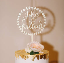 "Load image into Gallery viewer, Personalized Circle Wreath Name Cake Topper, 5.5""D"