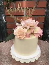 "Load image into Gallery viewer, Personalized Half Wreath Name Cake Topper, 6""W (1 Name)"