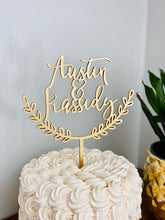 "Load image into Gallery viewer, Personalized Half Wreath 2 Names Cake Topper, 6""W (Open Style)"