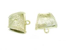 Load image into Gallery viewer, 6pcs Gold Scarf Clips Bails Acrylic Ring Charm Pendants Accessory