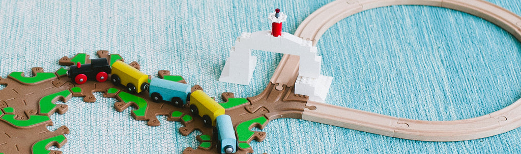 Tobo PlayShare adapter connects Thomas Train Friends, Brio, Lego and more.
