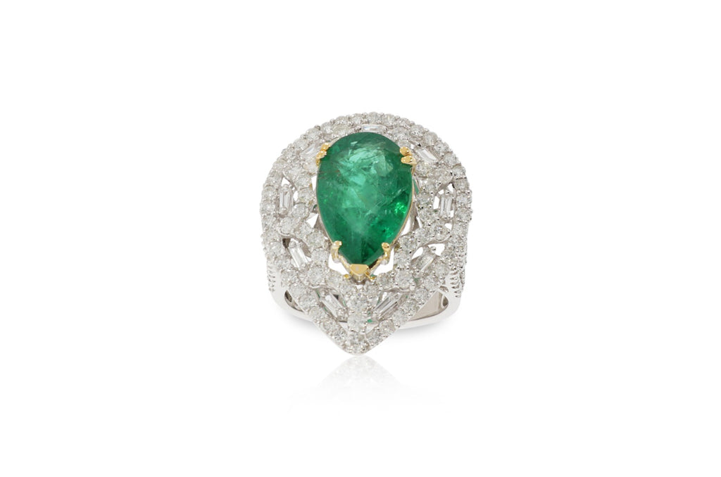 Emerald Gia Ring